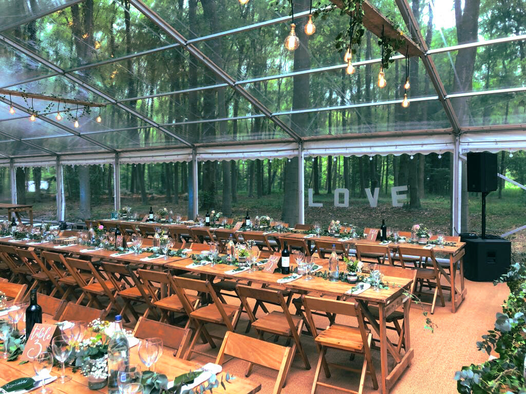 Wedding-Marquee-with-clear-roofs-and-walls